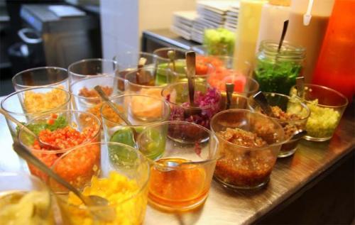La cocina mediterr nea elaborada con productos de nuestra for La comisaria restaurante valencia